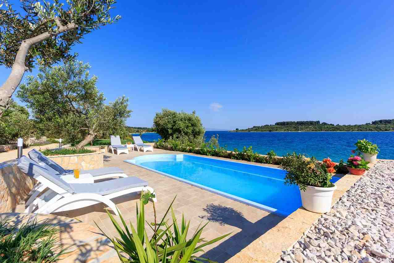 Chorvatsko domy a vily s bazénem